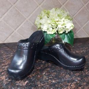 L L Bean black clogs. Size 7